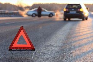 На Волыни столкнулись автобус и легковушка: погибли двое молодых мужчин