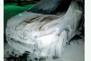 В Ровно сожгли Toyota, которая принадлежала жителю столицы