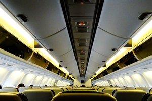 Самолет совершил экстренную посадку в Испании, чтобы высадить пьяных пассажиров