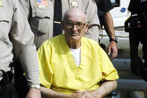 """Бывший лидер """"Ку-клукс-клана"""" умер в тюрьме в США"""