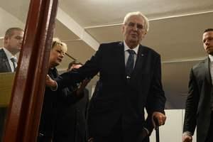 Земан не набирает нужного большинства: в Чехии будет второй тур выборов