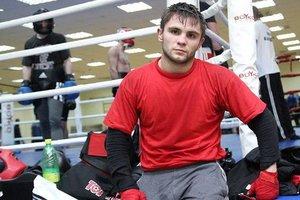 Дмитрий Митрофанов выиграл второй бой на профи-ринге