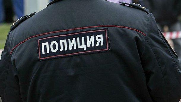 Русские полицейские пытались закидать угонщика снежками