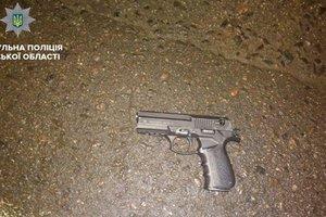 В Сумах мужчина открыл стрельбу в магазине