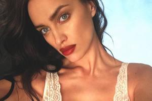 Ирина Шейк поделилась снимком без макияжа