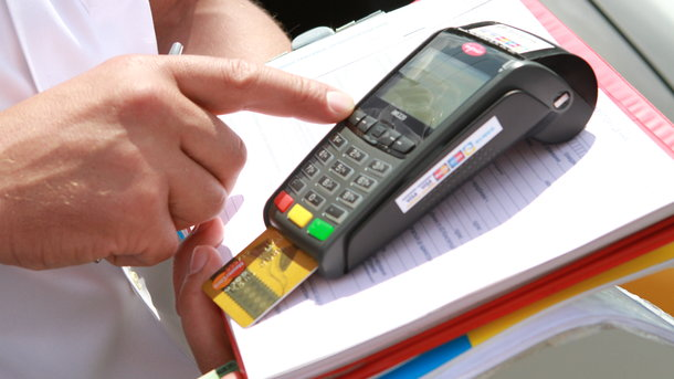ВКабмине хотят обязать всех субъектов хозяйствования установить платежные терминалы