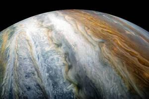 NASA показало облачный пояс Юпитера