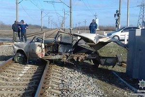 ДТП с поездом, разорвавшим машину: в полиции раскрыли подробности