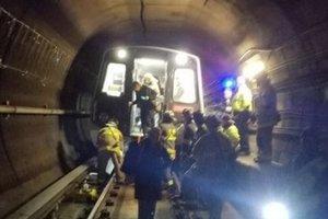 В Вашингтоне поезд метро сошел с рельсов