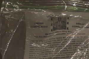 Город в США завалили листовками ку-клукс-клана в день рождения Мартина Лютера Кинга