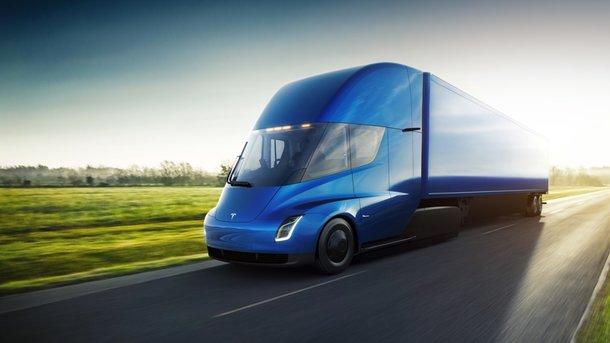 Электрогрузовики Tesla Semi займутся уборкой мусора на дорогах ОАЭ