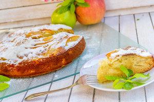Как приготовить шарлотку: ТОП-5 рецептов с яблоками