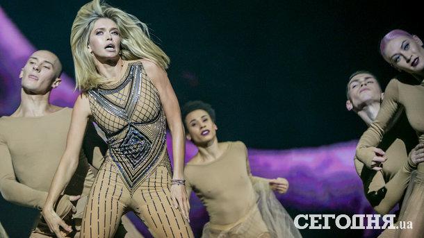 Известная украинская эстрадная певица представила новейшую песню в столице — Зажигательные танцы