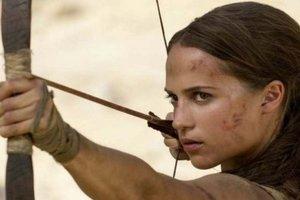 """Алисия Викандер рассекает на таинственном острове в трейлера фильма """"Tomb Raider: Лара Крофт"""""""