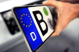 За авто на еврономерах надо платить – Гройсман