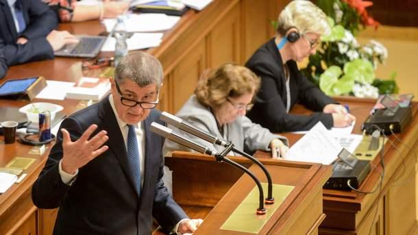 Премьер Чехии лишен депутатской неприкосновенности
