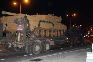 Турция перебросила в Сирию танки и нанесла мощный артобстрел по курдам – СМИ