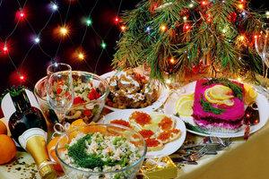 Украинцы на продукты для новогоднего стола потратили почти миллиард гривен