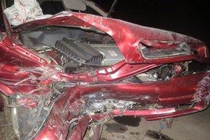 На Буковине автомобиль слетел с дороги: пострадали трое молодых людей