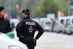 Беженец из Афганистана напал на полицейских в Бельгии