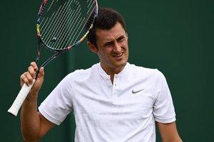 Австралийского теннисиста укусила змея во время реалити-шоу