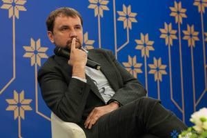 """Вятрович показал на фото """"долбаный совок"""""""