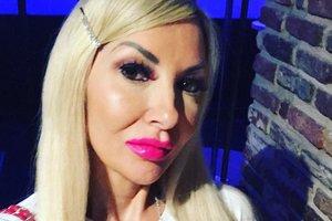 45-летняя мать-одиночка потратила состояние, чтобы превратиться в Барби