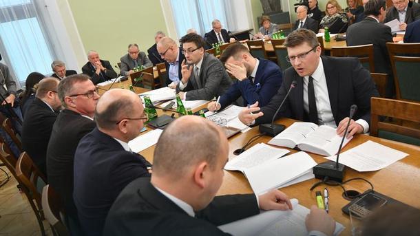 ВСенате Польши приняли закон оконцлагерях