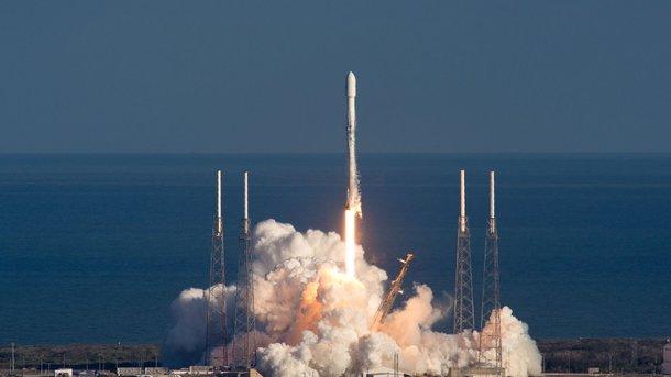 Falcon 9 удачно вывела наорбиту коммуникационный спутник