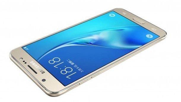 Android-смартфон Самсунг Galaxy C10 протестирован вAnTuTu