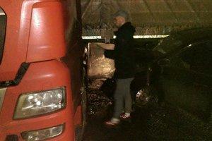 Near Kiev passenger car rammed a tank truck