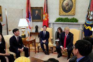 Трамп принял в Белом доме беглецов из Северной Кореи