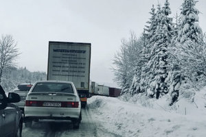 Because of the snow on the highway Kyiv-Chop was formed kilometer traffic jams