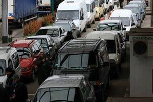 On the border with Poland has accumulated hundreds of vehicles