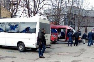 Украинцы стали активнее покупать микроавтобусы и грузовики