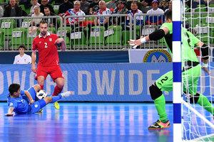 Казахстан стал первым полуфиналистом чемпионата Европы по футзалу. Обзор матча