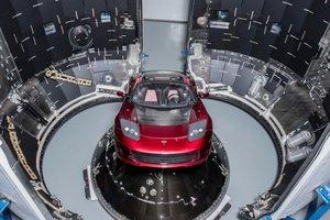 SpaceX запускает к Марсу ракету Falcon Heavy с автомобилем Tesla внутри: прямая трансляция