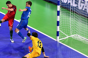 Portugal with two smashing records in Azerbaijan 1/4 TH Futsal. Video goals