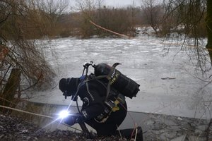 In Lutsk, the divers found the body of a child who is 12 days ago fell through the ice
