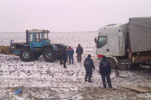 Near Kiev the truck flew into a ditch and overturned on its side