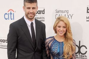 The fans insulted the footballer Piqué and his wife Shakira