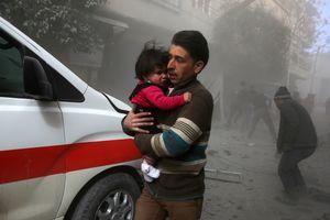 Силы Асада нанесли авиаудар под Дамаском: десятки погибших, более 100 раненых