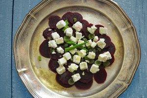 Зимние рецепты: салат из свеклы с фетой