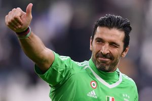 Buffon was subjected to another milestone of 500 matches in the Italian League