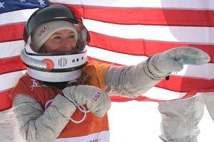 Американка выиграла один из самых зрелищных видов Олимпиады и примерила шлем космонавта
