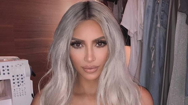 Ким Кардашьян собнаженной грудью обвинили ваморальном поведении