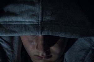 Под Харьковом вор прятался от полиции в шкафу