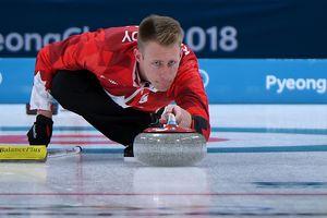 Керлинг на Олимпиаде: результаты утренней сессии у мужчин и женщин