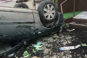 В Одессе вор на автомобиле перевернулся на крышу, скрываясь от полиции