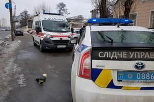 В Киеве BMW раздавил женщину о столб (ФОТО 18+)